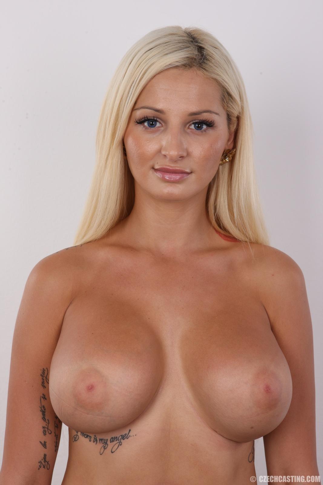 Beautiful female agent fucking on casting