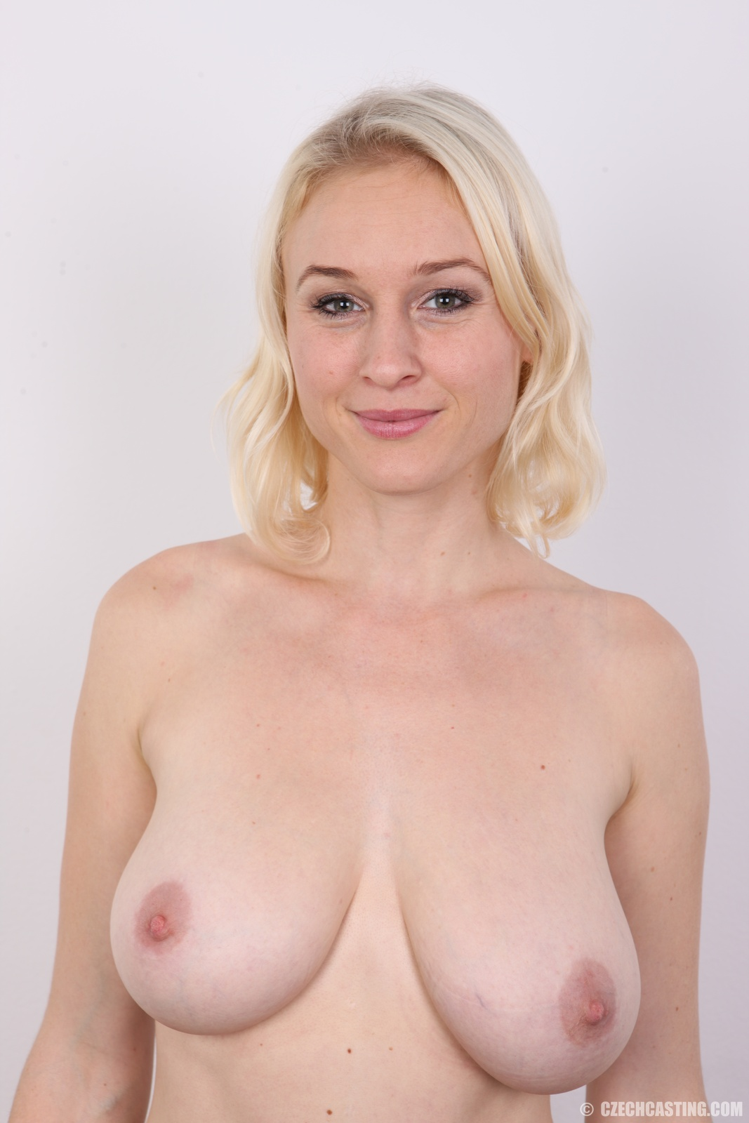 Petra mis casting audition big boobs blonde gives handjob - 1 8
