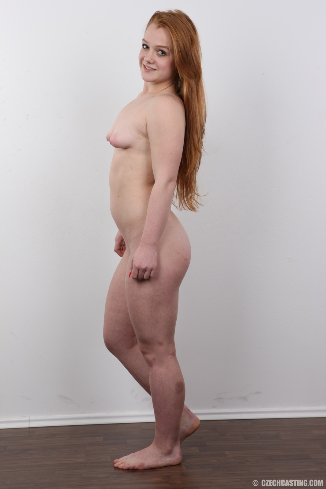 wpid-18-year-old-eliska-casting-photos30.jpg