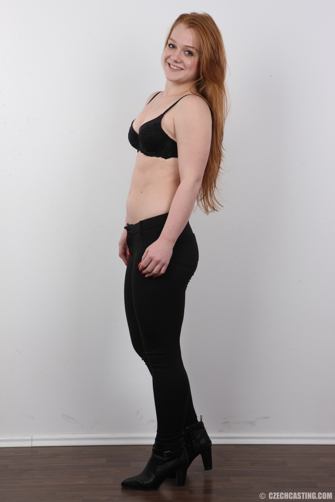 wpid-18-year-old-eliska-casting-photos9.jpg